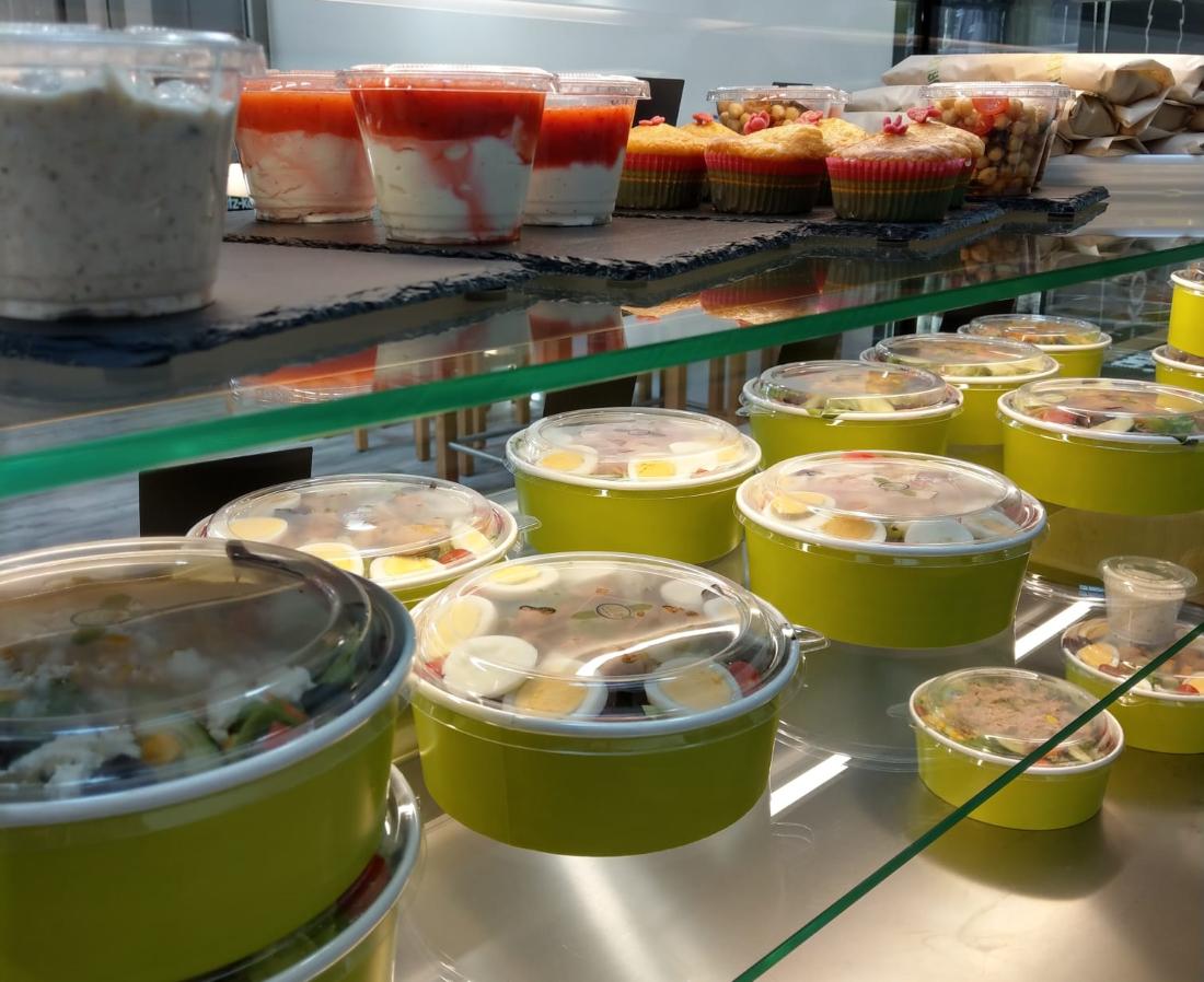 Salate und Gerichte der Schlotti Salatbar