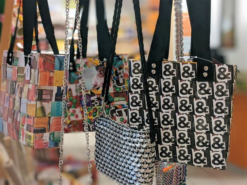 Taschen im Weltladen Ettlingen