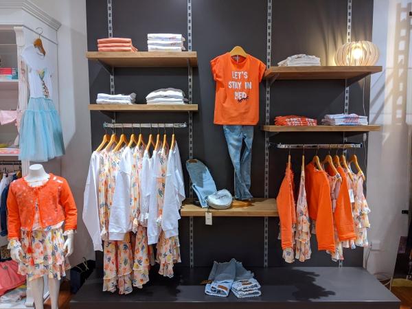 Mode für Mädchen im Sunshine Ettlingen